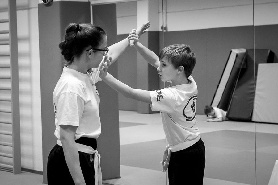 enfants cours auto defense